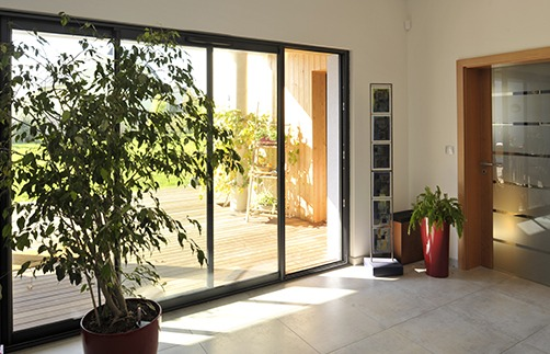 A explorer aussi : la porte fenêtre Tryba